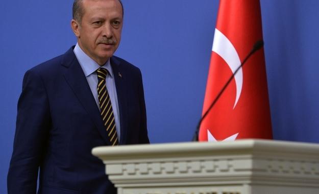 Ερντογάν: Η Τουρκία έχει κάθε δικαίωμα να αντιμετωπίζει απειλές από τη Συρία και το Ιράκ