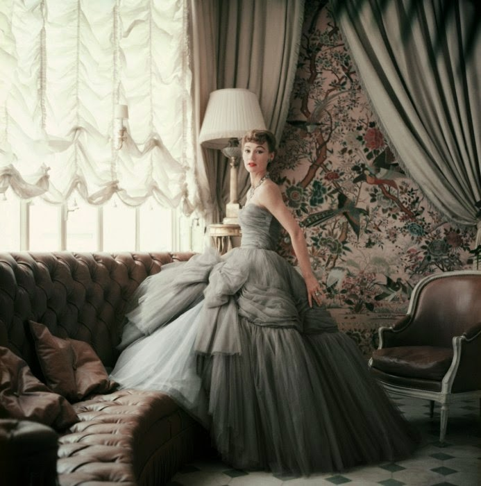 A Rare Look Into The World of Christian Dior from 1950s ...