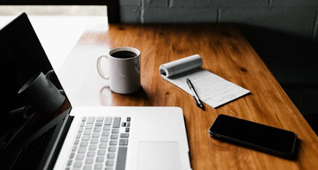 FREELANCE WRITERS CAN SAVE TIME WITH THESE  AWESOME TOOLS