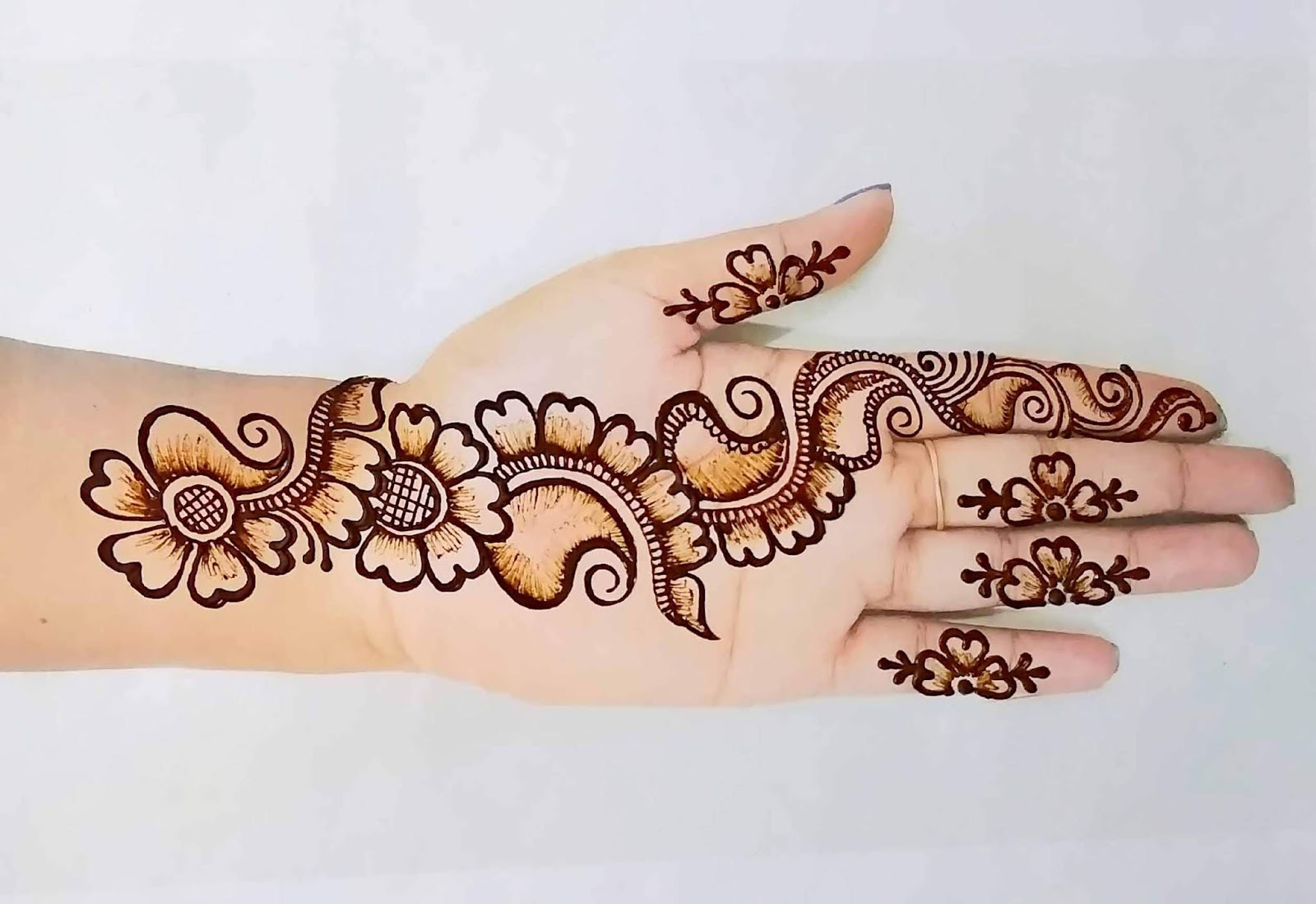 Arabic Henna Mehndi design