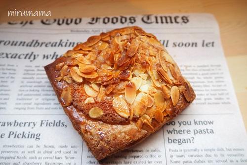 アーモンドのパン