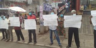 தோட்ட தொழிலாளர்களுக்கு 1000 ரூபாய் சம்பளத்தை கோறி ஆர்ப்பாட்டம்