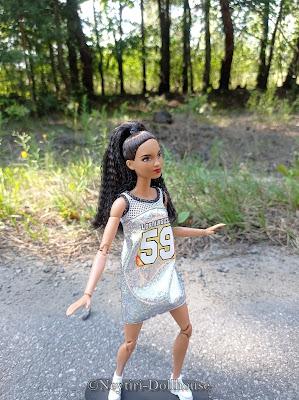 Mattel Barbie doll Fashionistas 56 MtM Made To Move body skateboard