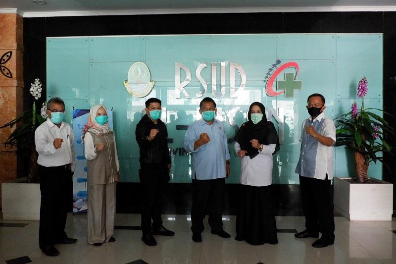 Pimpinan DPRD Jabar Lakukan Kunker Dan Pembagian APD di Dua RSUD Jabar