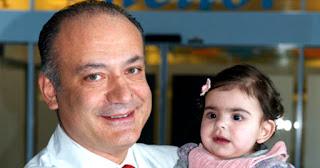 Ο Έλληνας καρδιοχειρουργός που έχει σώσει αφιλοκερδώς, πάνω από 15.000 παιδάκια