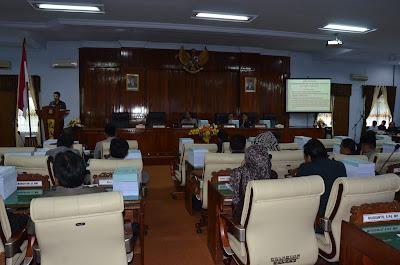 Bupati Trenggalek Sampaikan Ranperda Laporan Pertanggungjawaban Pelaksanaan APBD tahun 2016 Kepada DPRD