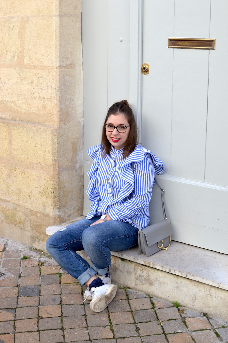jean relaxed H&M, chemise à volants Sheinside, stan smith , sac gris Idriss
