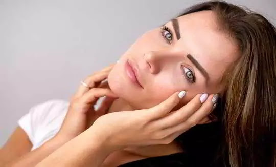 What is an olive skin tone? Know the full information about it.