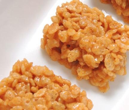 PUMPKIN SPICE KRISPIE TREATS: A FESTIVE DESSERT IN 10 MINUTES! #desserts #sweets