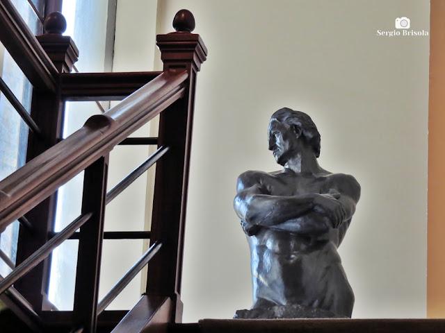 Foto composição com a Escultura Impassibilidade - Pinacoteca de São Paulo