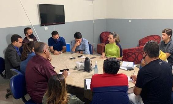Presidente do Comsul, Dayse Juliana se reúne com funcionários do consórcio de municípios