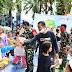 Personel TNI Kumpulkan Anak-anak di Pengungsian Untuk Bermain Bersama