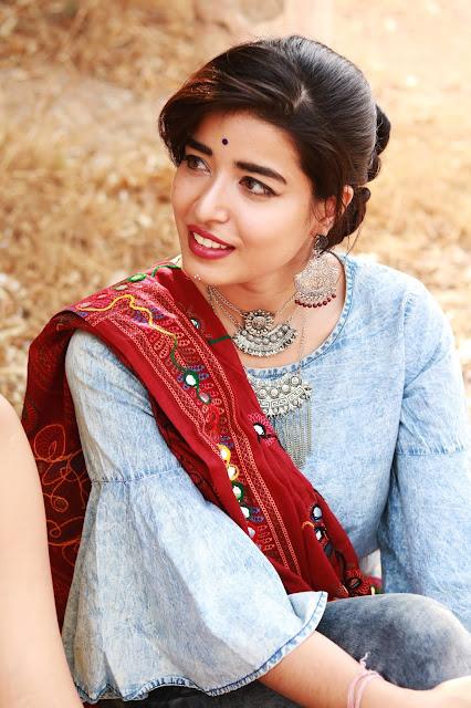 makeup for dandiya