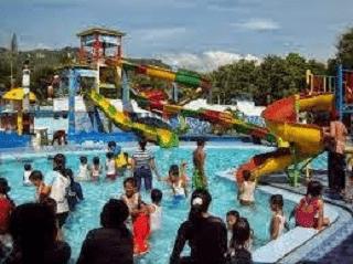 Water Park di Pantai Teleng Ria-2