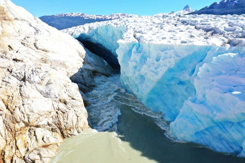 Lago Cachet II vació 160 millones de metros cúbicos de agua en 36 horas