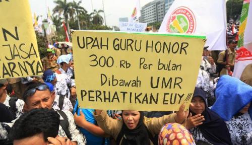 2018: Guru Honorer Diangkat Jadi CPNS