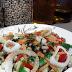 Στην Κουζίνα: Κρύα σαλάτα με μαυρομάτικα φασόλια