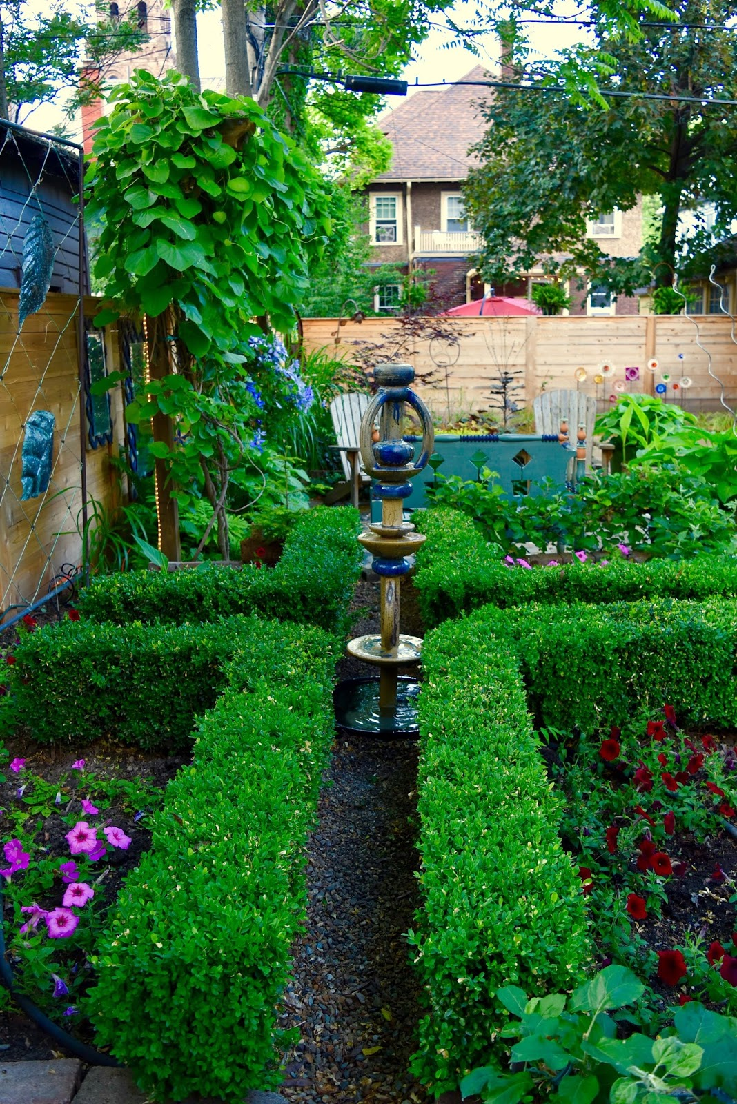 A make your own garden totem fountain for Build your own fountain outdoor