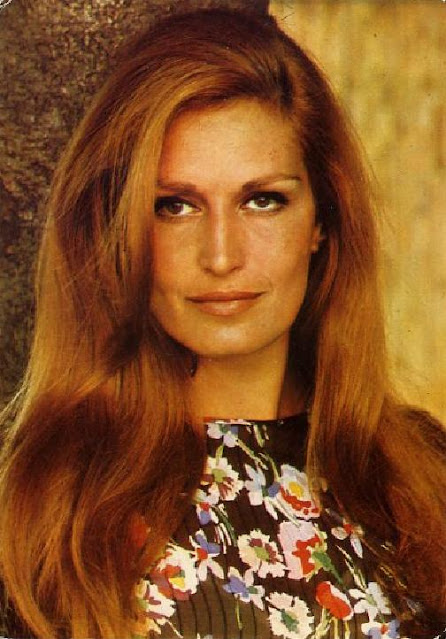 Dalida Edition Lyna Paris (postcard)