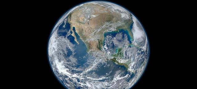 La Tierra, una imagen creada a través de fotografías tomadas por el satélite Suomi NPP.NASA