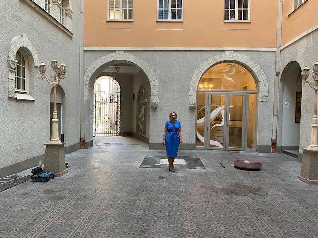 20 июля 2021 года. Рига. Демонтаж Золотого рыцаря со двора дома на ул. Вальню, 3