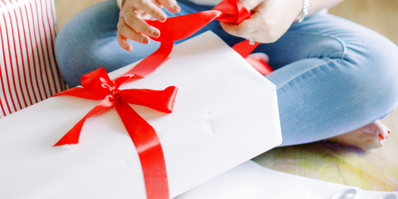 The Guides 2020: Stocking Stuffers for Her