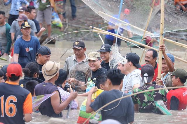 Tradisi Bekarang Muba Andil Jaga Ekosistem Sungai