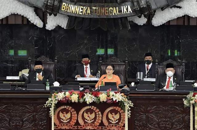 Puan Puji Baju Adat Jokowi Puan Maharani: Terima Kasih Pak Presiden Ketua DPR RI Dr (H. C) Puan Maharani