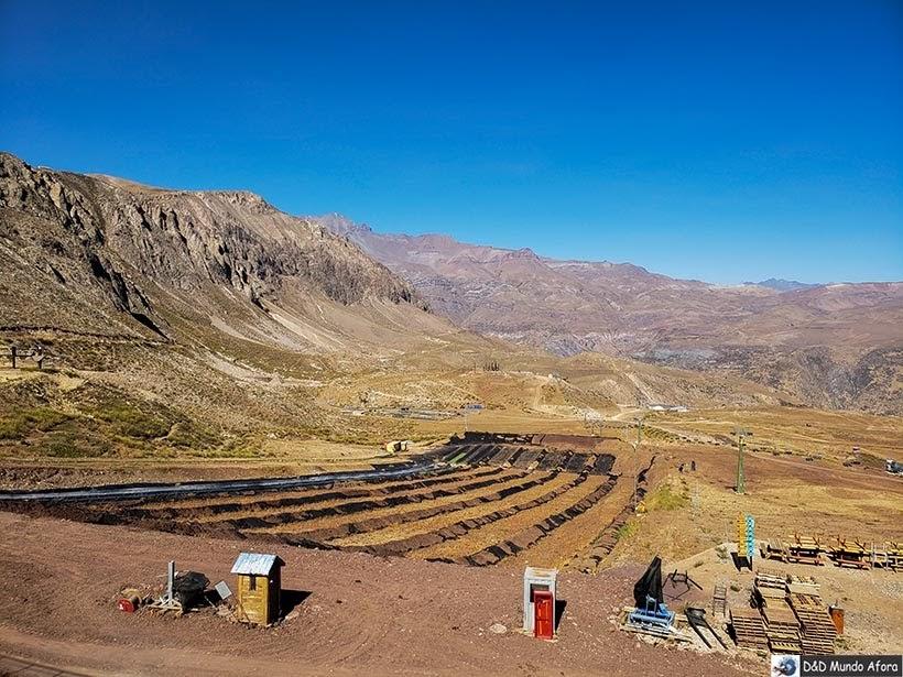 Pista do tobogã no Parque Farellones - Valle Nevado no verão