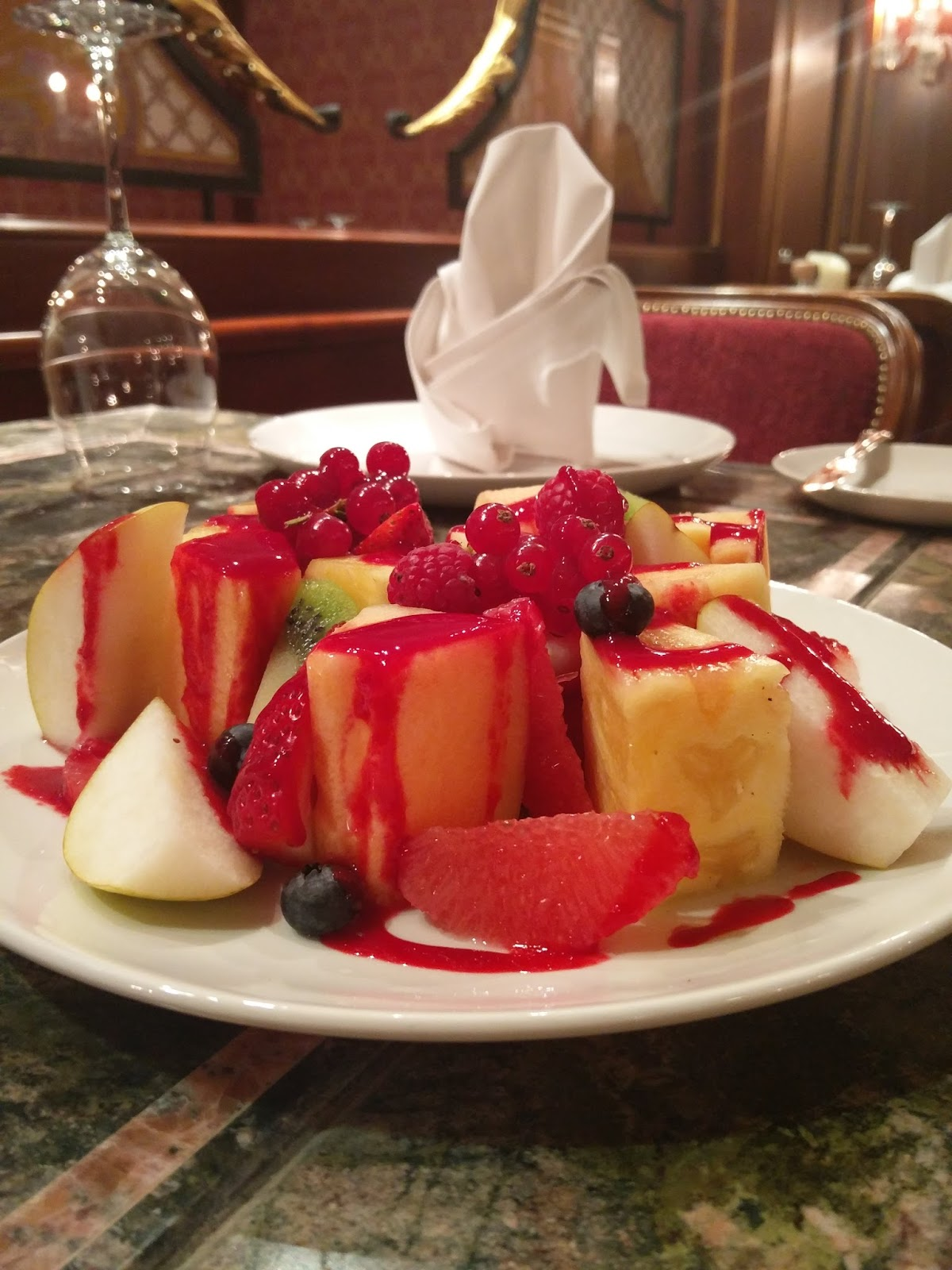 Grand hills revives with the opening of little paris for Fruit coulis