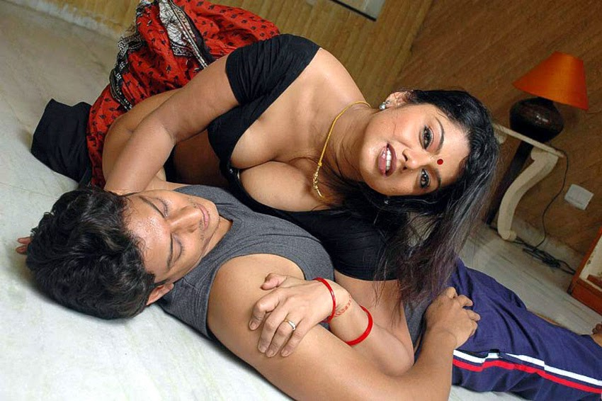 Sexy Indian Desi Masala Actress South Indian Aunties