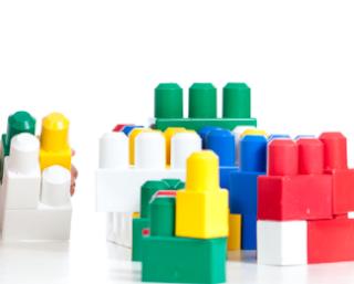 Memilih Mainan Berdasar Tahap Pertumbuhan Anak
