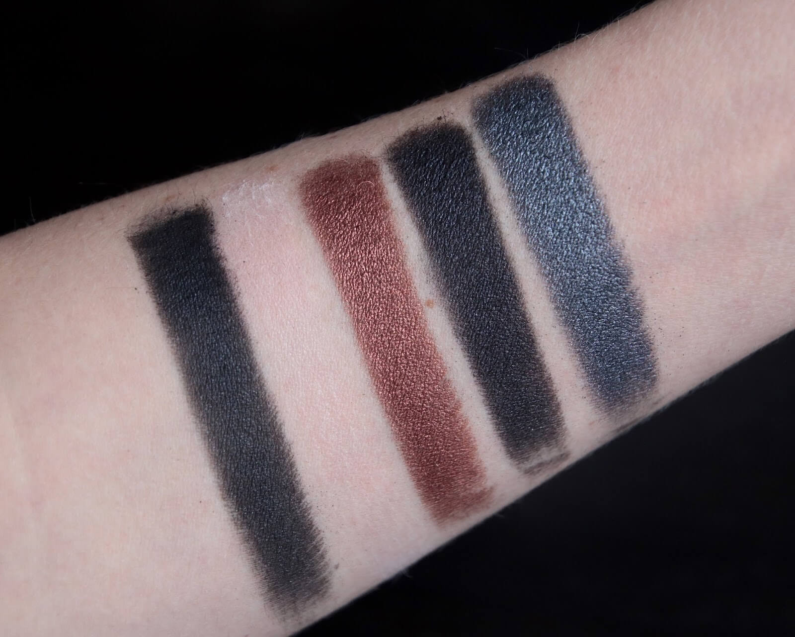 By Terry Paris By Night swatch