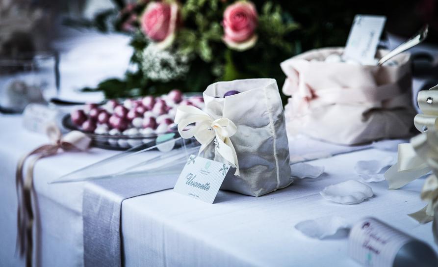 http://www.ilblogdisposamioggi.com/2015/03/matrimonio-stile-grecia.html