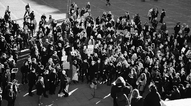Mielenosoitus veti ihmisiä paikalle