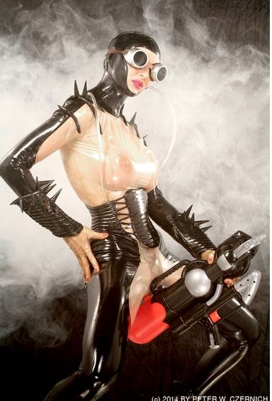 latex leather rubber cuero festish bdsm