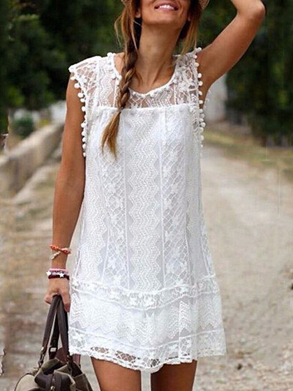 https://www.selaros.com/item/round-neck-patchwork-lace-shift-dress-2230.html