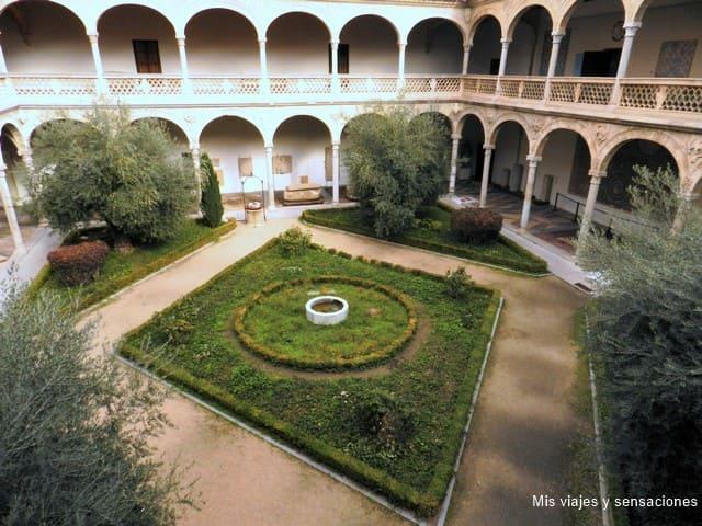 claustro Museo de Santa Cruz, Toledo