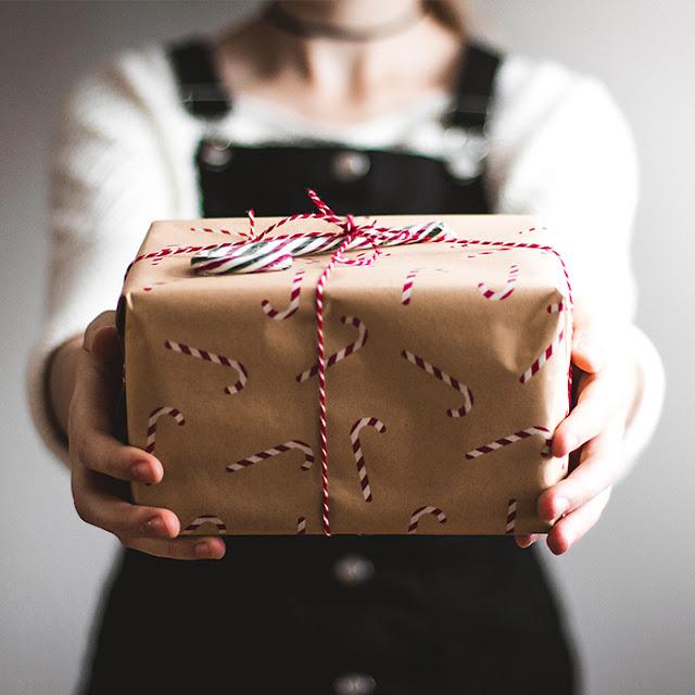 navidad-mejor-regalo-jugar-juguetes-regla-4-regalos-reyes-magos-papa-noel