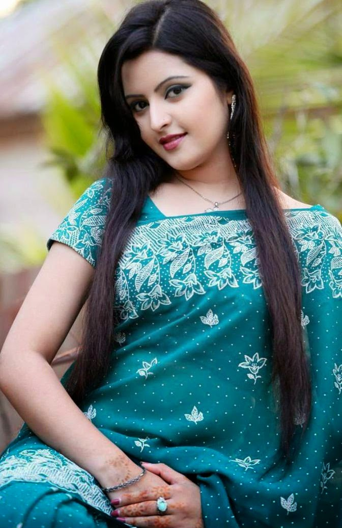 Bangladeshi Hot Actress Pori Moni Biography, News, Photo -1587