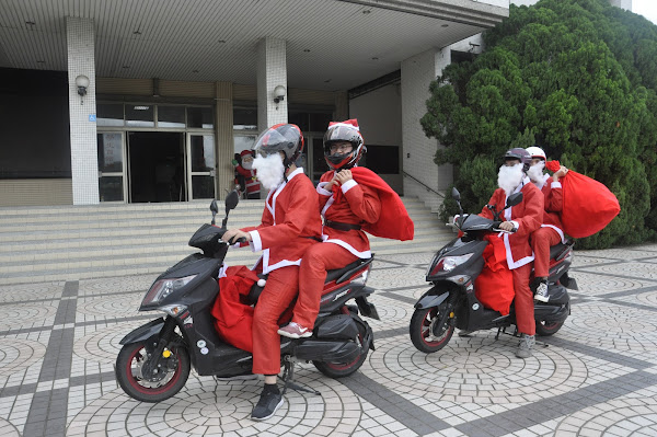 建國科大愛心慈幼社 聖誕快閃添祝福2020傳佳音
