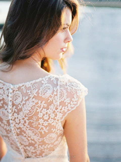V-neck Elegant Lace Sashes / Ribbons Short/Mini Sheath/Column Bridesmaid Dresses