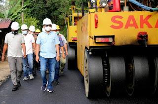 Bupati Tapteng Targetkan 240 Km Jalan Hotmix Terbangun Hingga Akhir 2020
