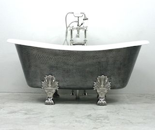 Antique Bear Claw Bathtub