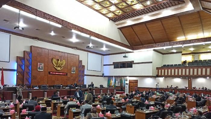 Bikin Marah Anggota DPRA, Ternyata Ini Alasan Plt Gubernur Aceh Tak Hadiri Rapat