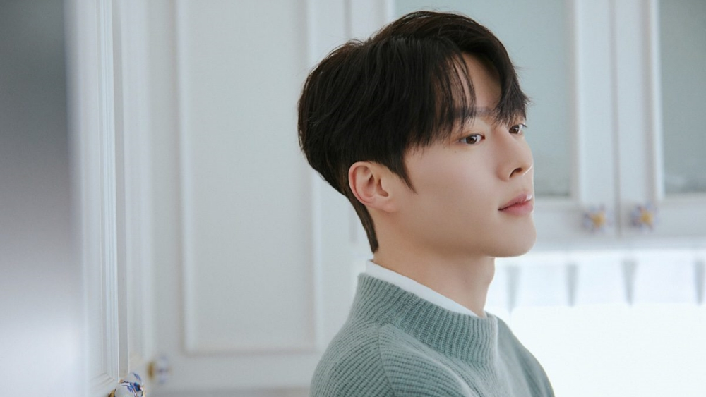Actor Jang Ki Yong Reportedly Enlists in The Military Today