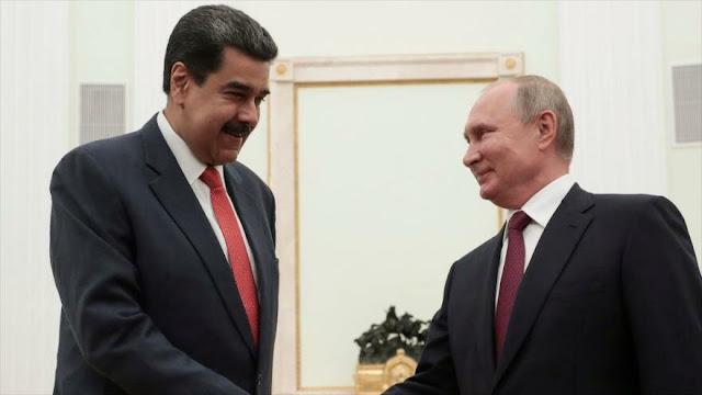 """Putin ofrece """"apoyo consistente"""" a Maduro ante """"presión externa"""""""