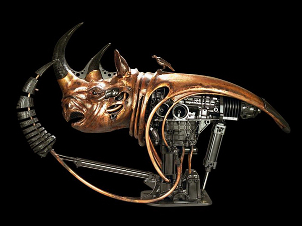 Escultura de cabeza de rinoceronte estilo steampunk