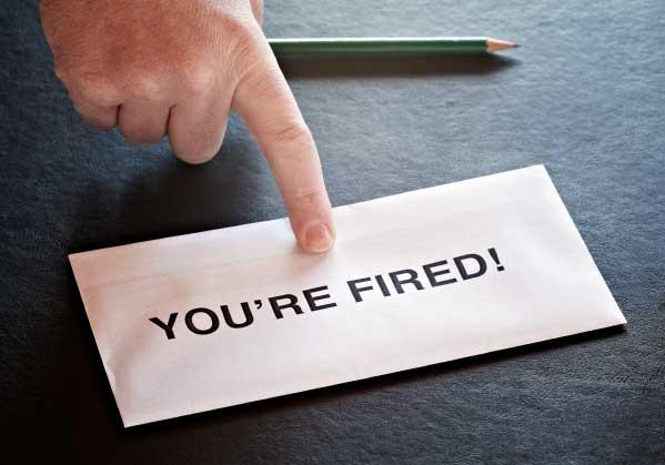 yang dirasakan seseorang ketika dipecat dari pekerjaannya
