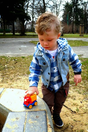 http://minimanlife.blogspot.com/2013/04/little-man-and-spring-style.html